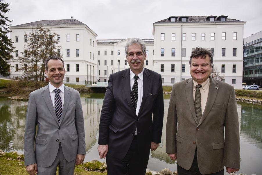 Federal Minister Hans Jörg Schelling visits IST Austria