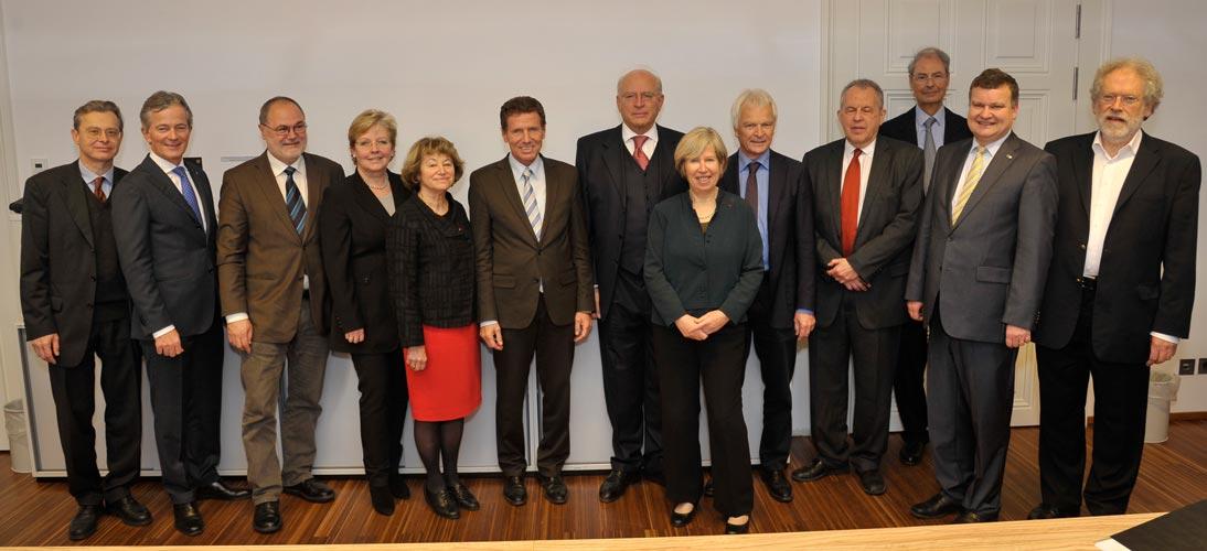 Science Minister Töchterle visits Board of IST Austria