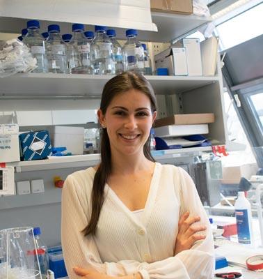 PhD student Lena Schwarz © IST Austria